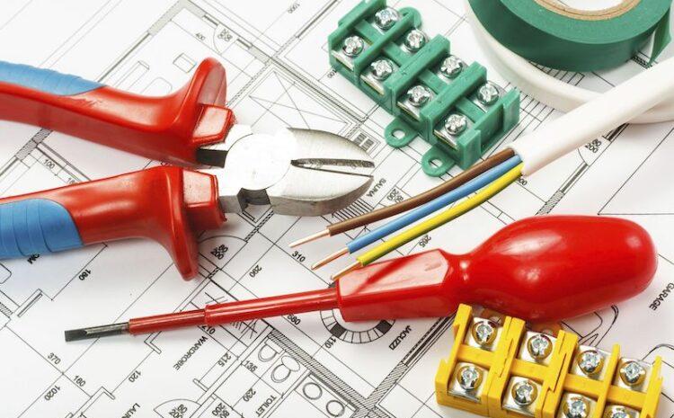 Tine-ti casa in siguranta! Refacerea instalatiei electrice cu un electrician autorizat