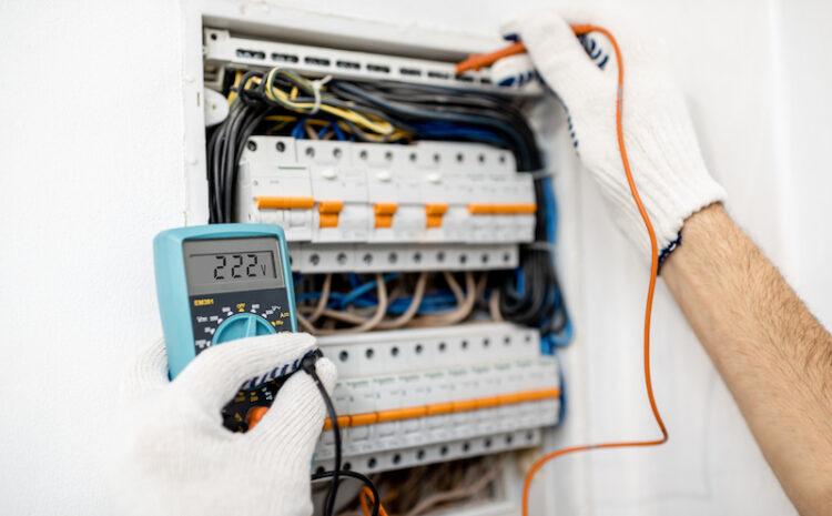 Cand apelezi la un electrician? 3 situatii frecvent intalnite